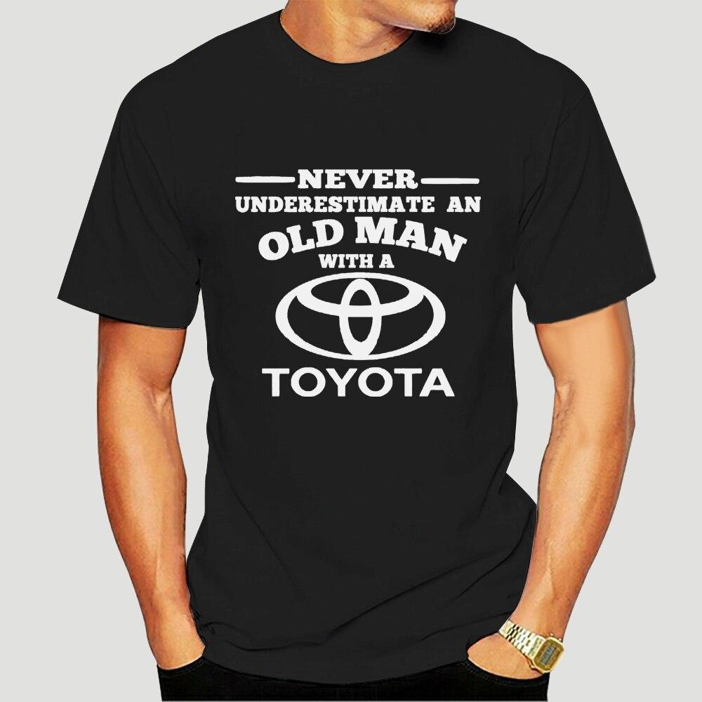 Toyota nunca subestime um homem velho T-Shirt-4045D
