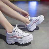 Женские кроссовки на массивном каблуке; модные кроссовки на платформе; Цвет белый; женская брендовая дизайнерская повседневная обувь; женс...