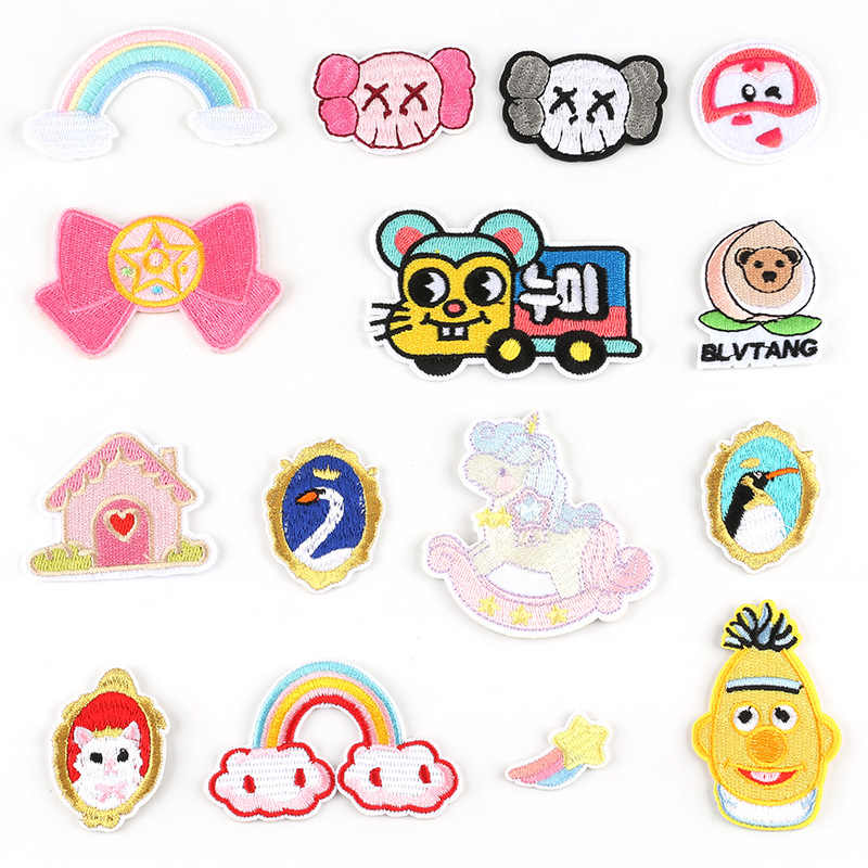 Small Embroidery Patch Kids Clothing Decoration Accessories Car Penguin House Trojan star Iron Heat Transfer Applique