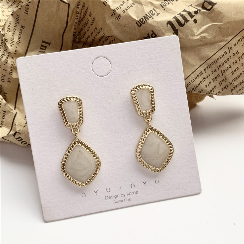 Sweet Girl Earrings New Diamond shaped Acrylic Acetate Earrings Korean Fashion Net Red Simple Wild Earrings Women