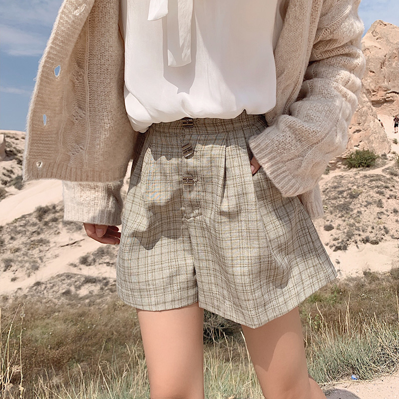 MISHOW 2019 New British Vintage Style High Waist Straight Women Streetwear Fashion Plaid Shorts MX19C2481