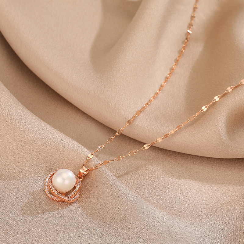2020 South Korea's New Net Red design sense advanced clavicle chain temperament simple pearl necklace
