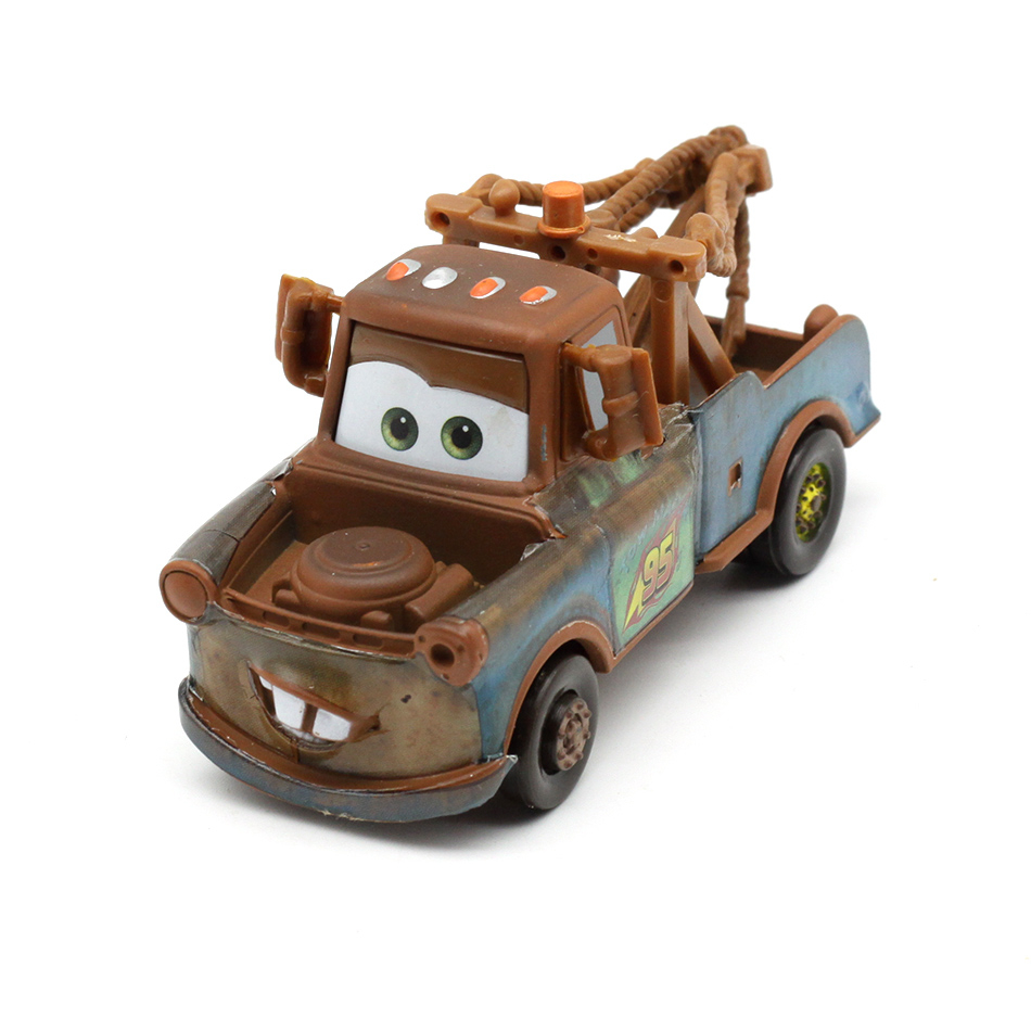 28 Disney Pixar Style Cars 3 Casting Metal McQueen Mater Crazy Crashed Car Model Party Children Birthday Gift Toy