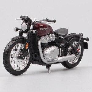 Image 4 - Bburago 1/18 1:18 ölçekli Triumph Bonneville Bobber Diecast plastik motosiklet motosiklet ekran modelleri çocuk oyuncağı erkekler için
