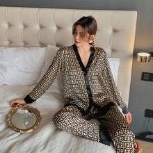 2021 femmes Pyjama Ensemble Col En V Design De Luxe Style Croix Lettre Pyjama Imprimé Soie Comme Loisirs Maison Vêtements de Nuit