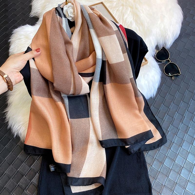 New 2020 Luxury Brand Autumn and Winter Fashion Scarf Designer Long Scarf Ladies Autumn and Winter