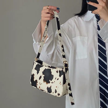 Fashion Design Milk Cow Print Women Underarm Baguette Handbags Vintage PU Leather Girls Shoulder Messenger Bags Women Armpit Bag
