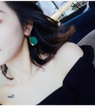 QTWINDY Fashion Statement Earrings Gold Round Circle Geometric Earrings for Women Punk Metal Earring Trendy Jewelry Elegant