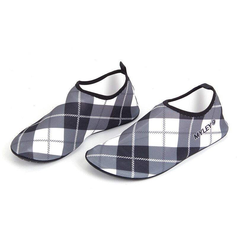 Обувь для плавания; Уличная обувь; спортивная обувь с красной пяткой; мягкая обувь; сандалии; дышащая обувь; обувь для дайвинга; сандалии без