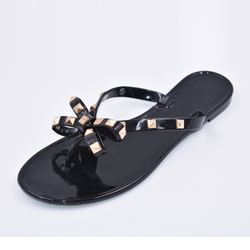 2021 New Summer Beach Women Flip Flops Slippers Flat Sandals Bow Rivet Fashion PVC Indoor and Outdoor Crystal Beach Shoes 36-42