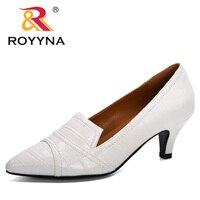 Модные  женские туфли в Корейском стиле на тонком высоком каблуке 1