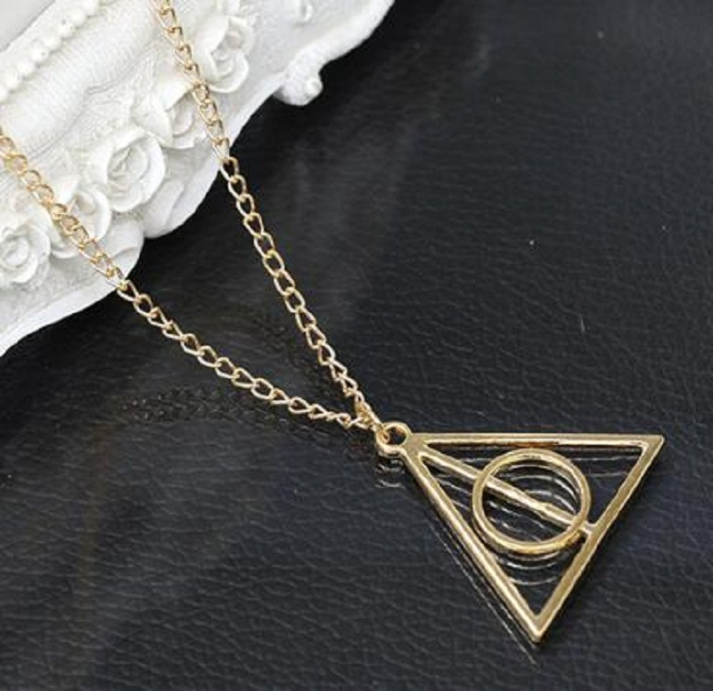 3 Colors Triangle Necklace Movie Harri Potter Metal Deathly Hallows Pendant Necklace Trendy Jewelry Long Chain Birthday Gift Toy