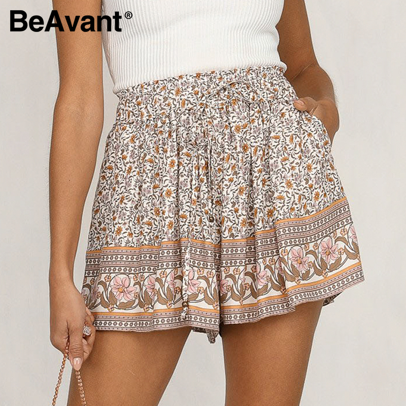 BeAvant 2020 Summer Boho Casual Shorts Women Floral Print Elastic Waist Holiday Shorts Cotton Female Lace Up Loose Shorts Retro
