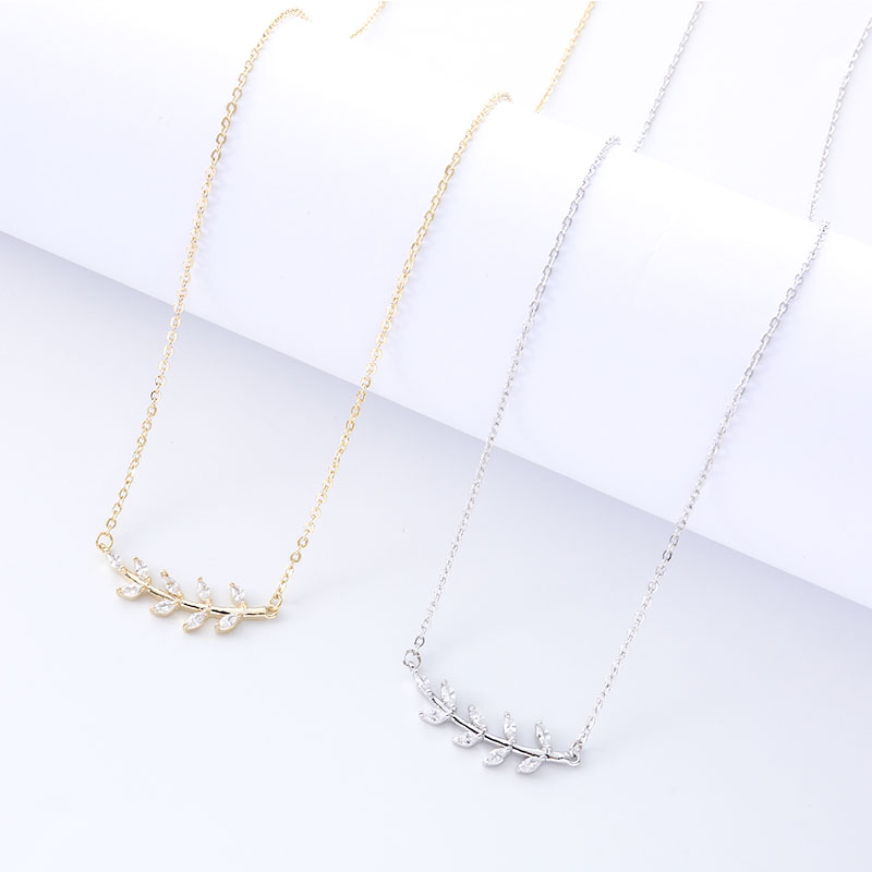 New Clavicle Chain Necklace Exquisite Flower Pendant Simple Personality Design Charm Fashion Jewelry