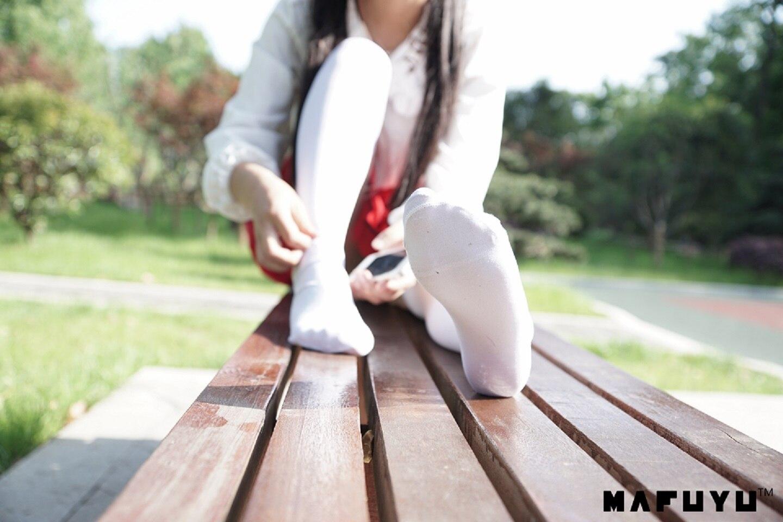 ★微博红人★神楽坂真冬-cos少女と自然と白い靴下插图1