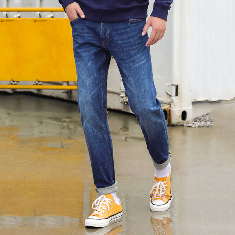 I Jeans maschili Per Gli Uomini Slim Fit Pantaloni Denim Pantaloni Del Progettista di casual Skinny Jean Homme Mutanda Morbido Biker Pantalones Hombre