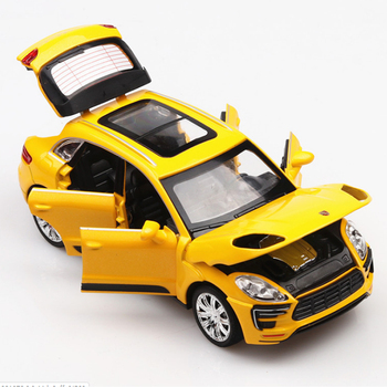 цена на KIDAMI 1:32 Diecast Car Metal Macan Cayenne Turbo Toy Vehicles SUV Alloy Model Car Toy Pull Back Car For Kids Gift Collection