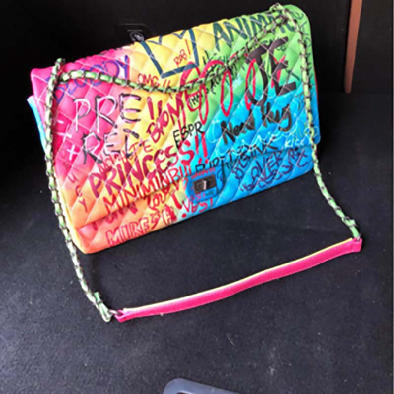 GW women Graffiti Printed Shoulder Bags Fashion Large Travel big Bags Women Brand Luxury Chain Handbags 2020 fashion design