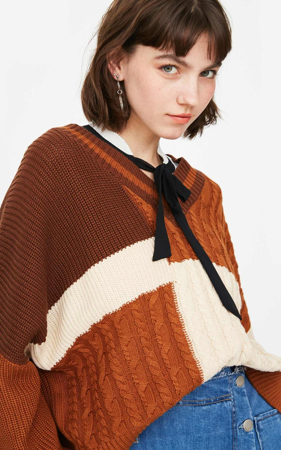 ONLY Women's  Asymmetrical Contrasting V-neckline Loose Fit Pullover Knit Sweater | 119113537