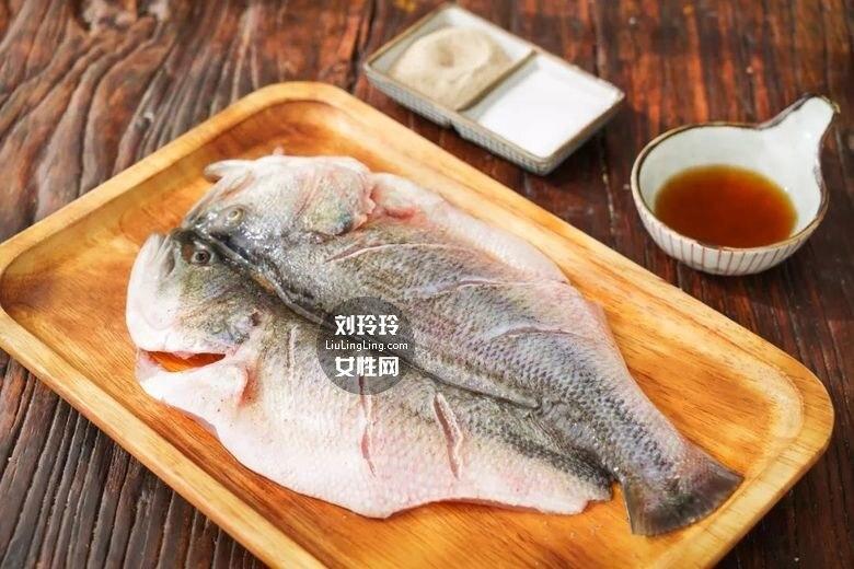 平底锅烤鱼的做法 美味烤鱼一条不够吃!3