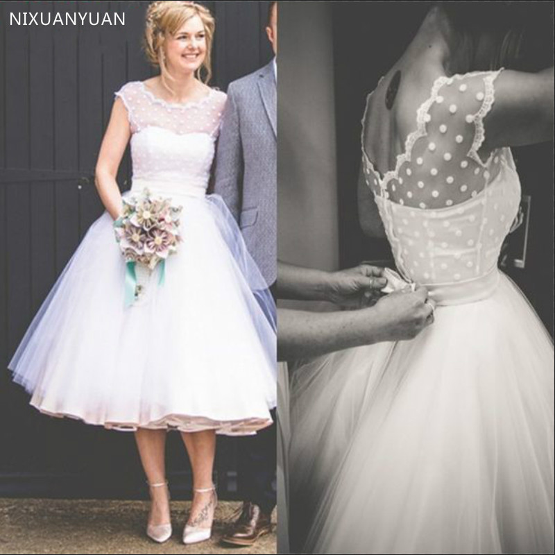 Simple 2020 Summer Beach Wedding Dresses Scoop Sleeveless Dots Tulle Tea Length Cheap Bridal Gowns