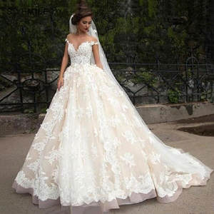 Gorgeous Tulle Applique Lace Ball Gown Country Wedding Dresses Luxury Court Train Wedding Gowns Bruidsjurk Vestidos De Novia