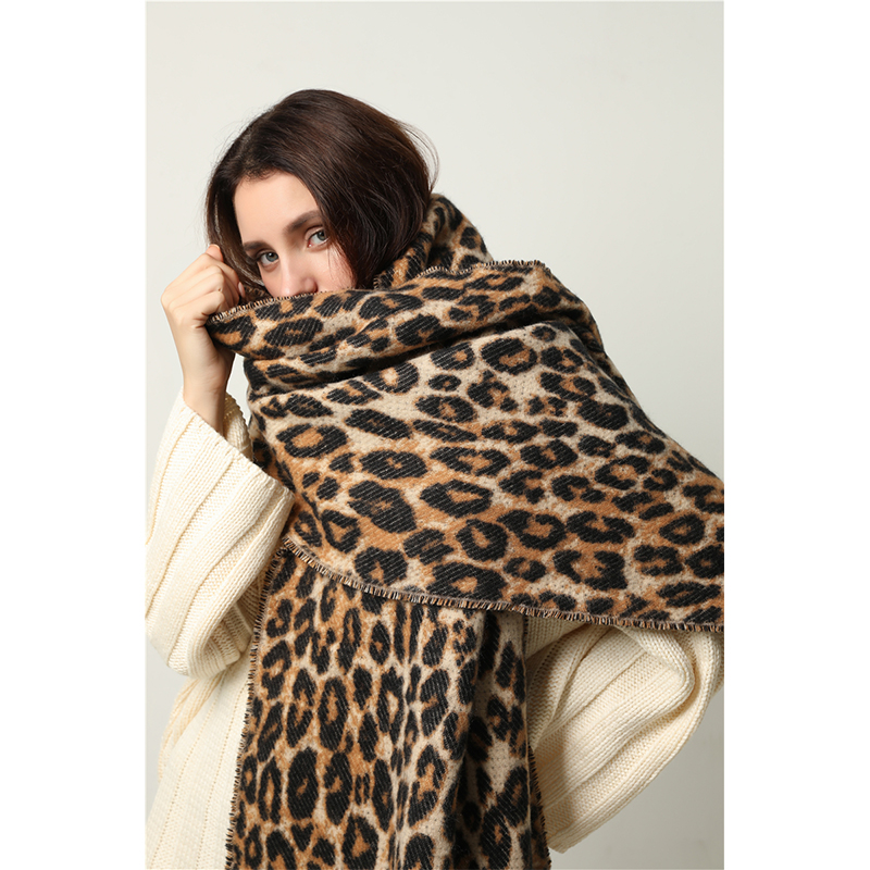 2019 Luxury Leopard Scarf Women Winter Pashmina Cashmere Thick Blanket Warm Long Shawls Wraps Lady Tassel Scarves