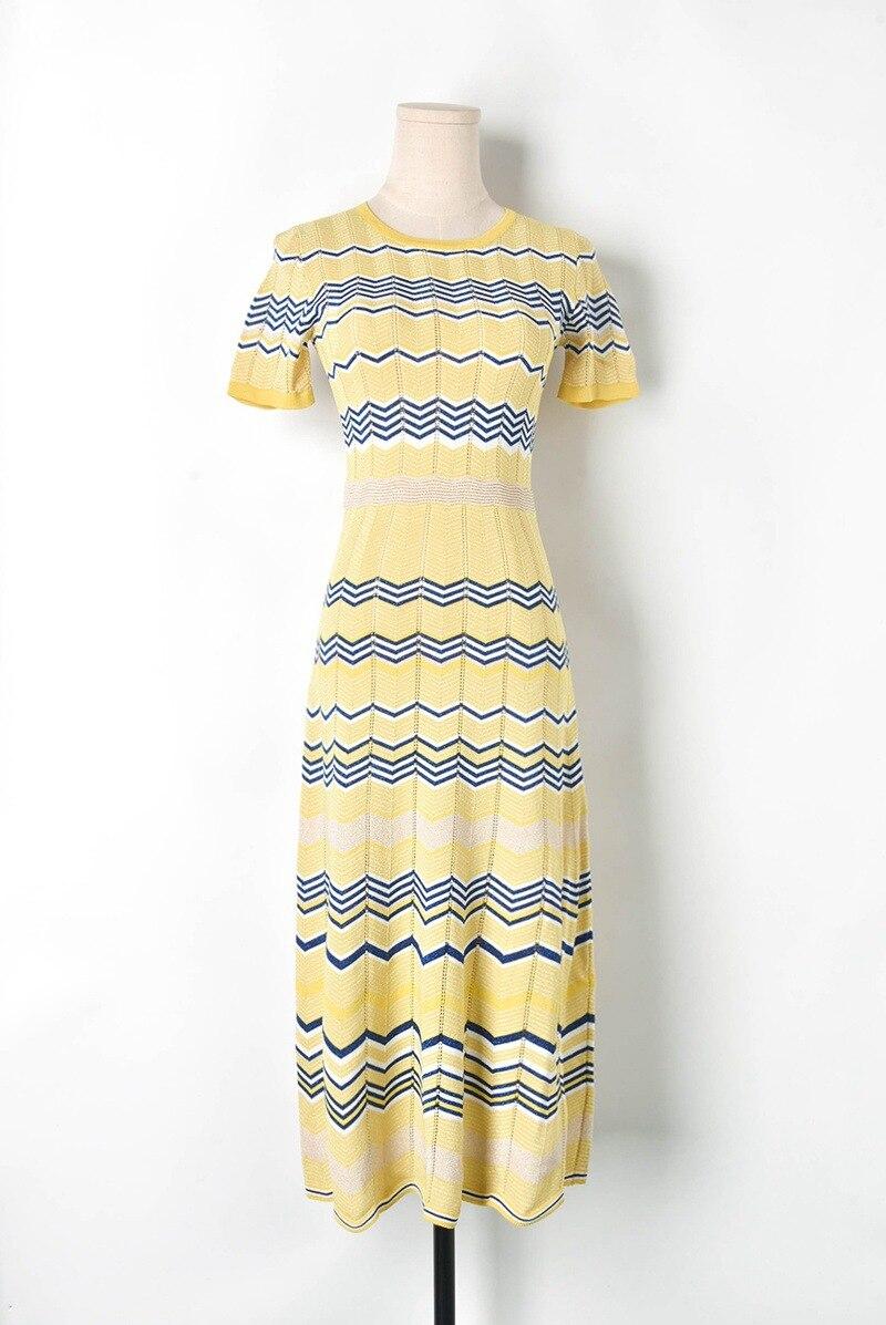 Boho Chic robe 2019 été contraste couleur creux taille haute tricot robe à manches courtes robe femme rayé longue robe