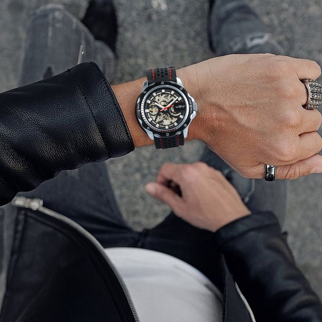 WINNER Official 2019 New Fashion Men Automatic Mechanical Watches Luxury Brand Skeleton Luminous Hands Rubber Strap Sport Clock