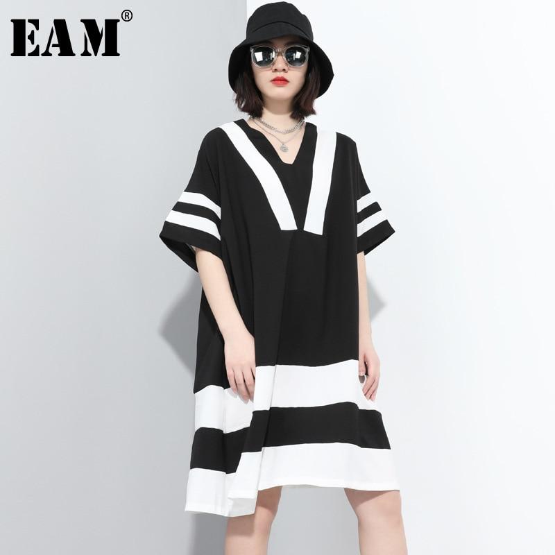 [EAM] Women Black Striped Split Joint Big Size Dress New V-Neck Half Sleeve Loose Fit Fashion Tide Spring Summer 2020 1T882
