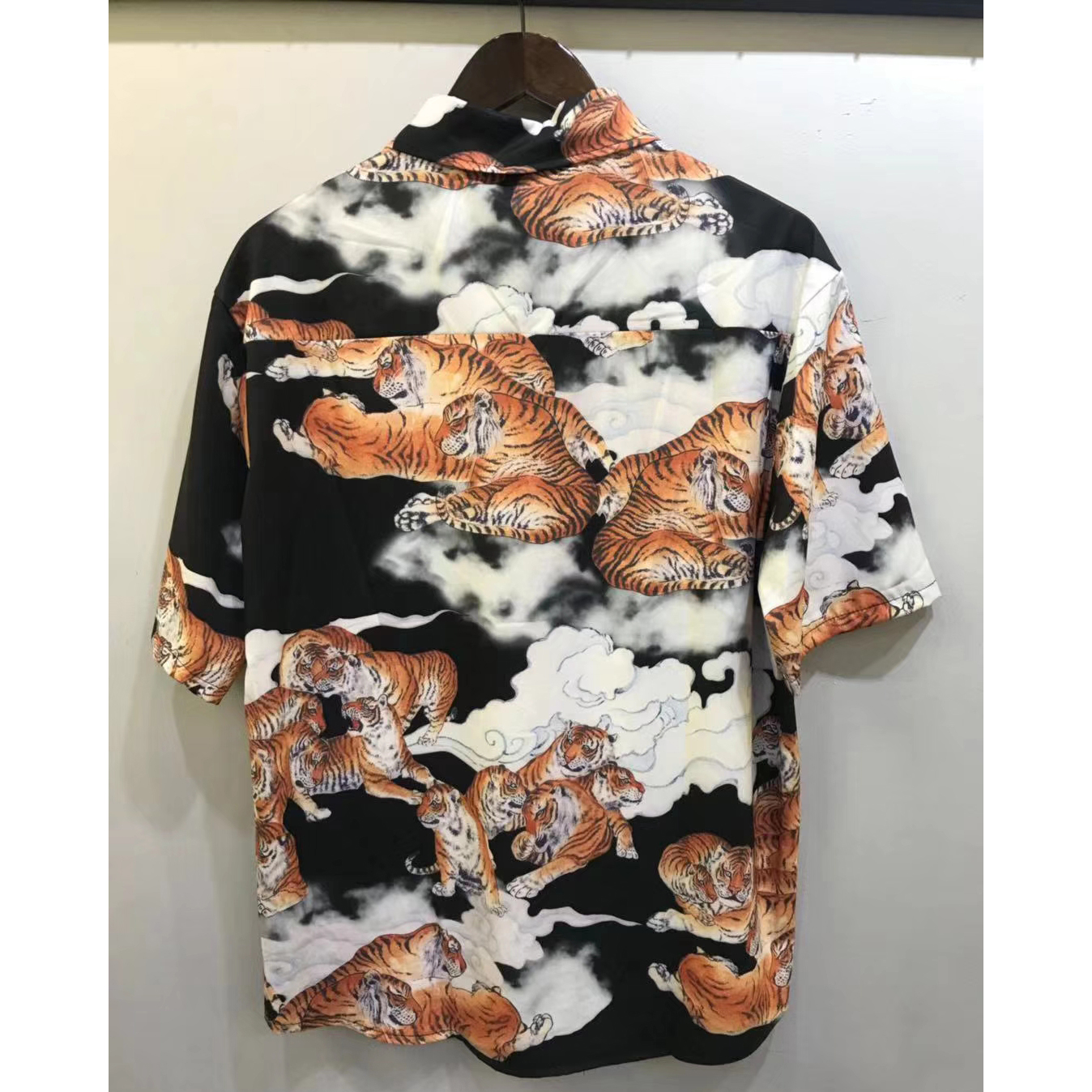 OSCN7 Casual Streetwear Beach Printed Short Sleeve Shirt Men 2020 Hawaii Oversize Fashion Harujuku Women Shirts 8010