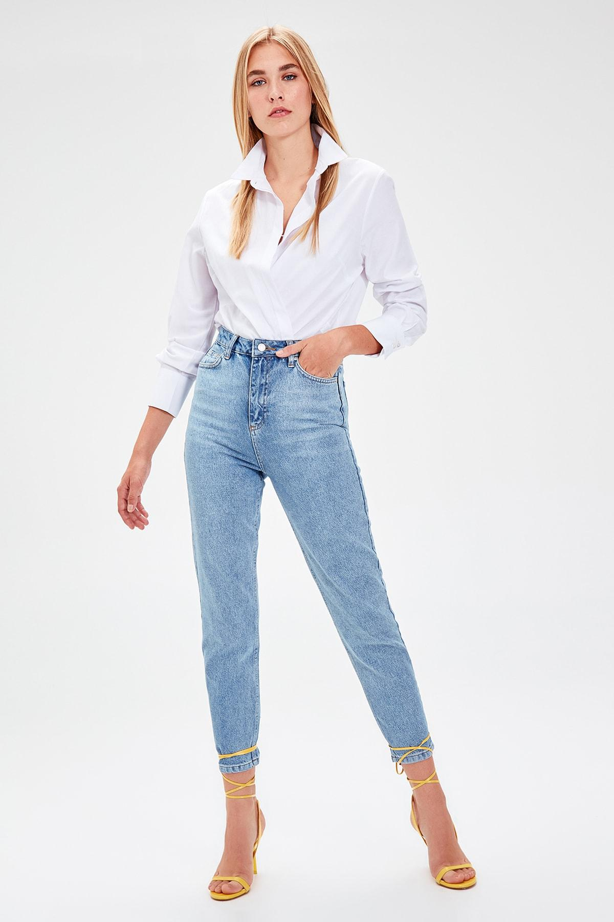 Trendyol Indigo-Flushing High Bel Mom Jeans TWOAW20JE0039