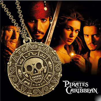 цена на Movie Pirates of the Caribbean Necklace Aztec coin Gold Captain Jack Sparrow Medallion Skull Pendant Necklaces For Men Fans Gift