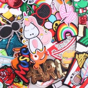 Image 3 - Zotoone 30 Stks/partij Willekeurige Mode Patches Voor Vrouwen Mooie Meisjes Kids Ijzer Op Patch Voor Kleding Applique Sticker Diy Accessoire E
