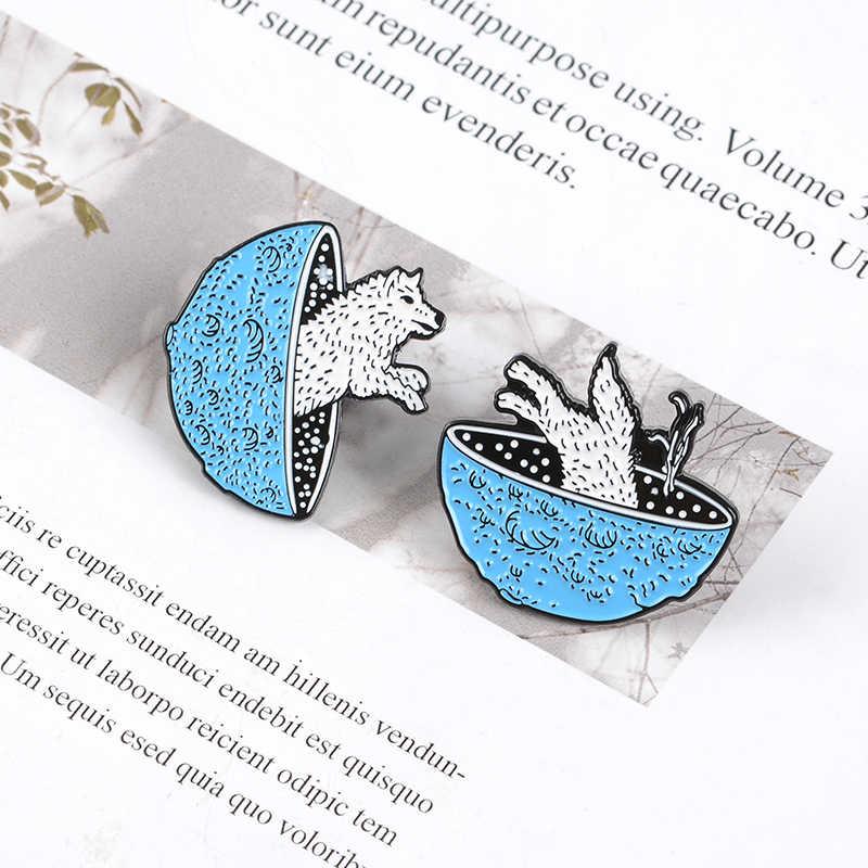 Planet Biru Serigala Pin Ruang Melompat Enamel Pin Bros Alam Semesta Petualangan Kerah Pin Lencana Kartun Hewan Perhiasan Hadiah Grosir