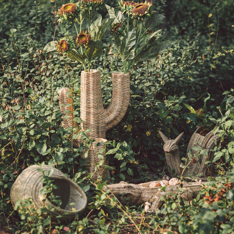 Large Rattan Weave Texture Crocodile Cactus Resin Statue Decor Flowr Pot Garden Living Room Balcony Floor Home Furnishings Vase Pakistan
