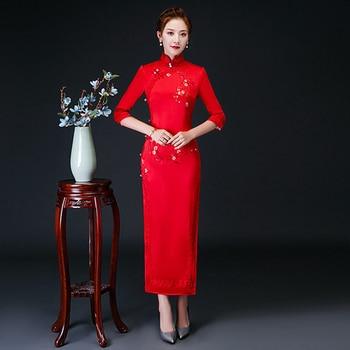 Chinese style imitation silk embroidery cheongsam fashion improved stage catwalk cheongsam dress Slim daily long cheongs
