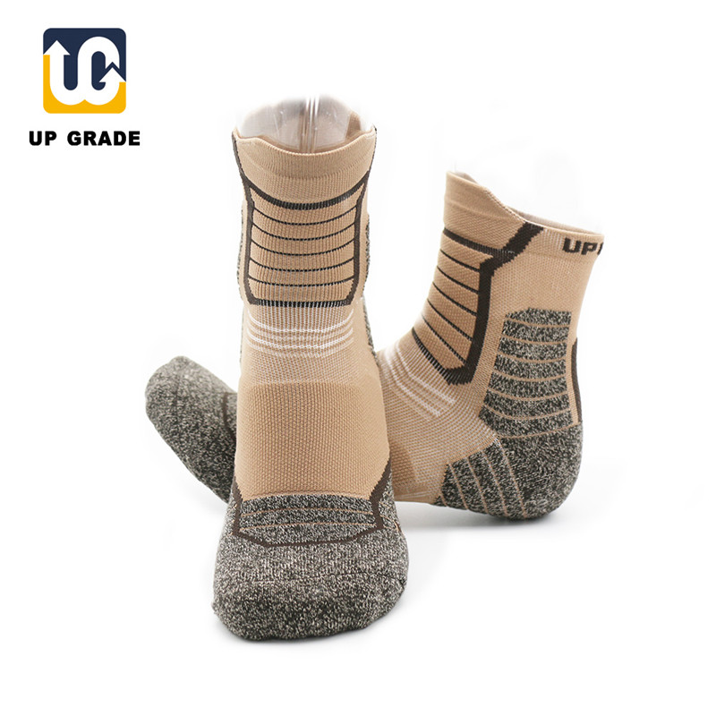 UGUPGRADE Camping Hiking Sports Socks 90% Nylon Climbing Cycling Running Compression Men Chaussette Cyclisme Voetbalsokken