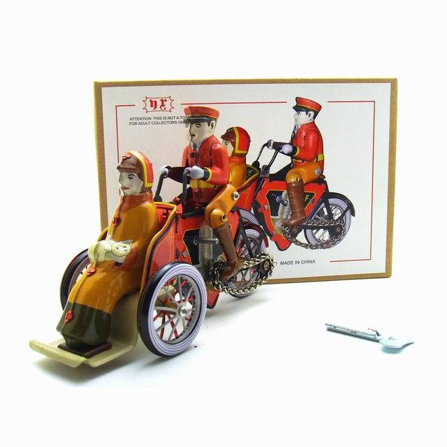 [Funny] Adult Collection Retro Wind up toy Metal Tin rickshaw tricycle driver car Clockwork toy figure model vintage toy gift