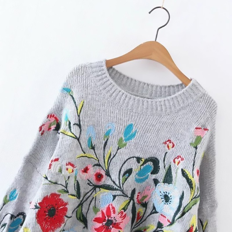 [EAM] 19 Autumn Winter Round Neck Long Sleeve Flower Embroidered Knitting Warm Loose Sweater Pollovers Women Fashion V74702 5