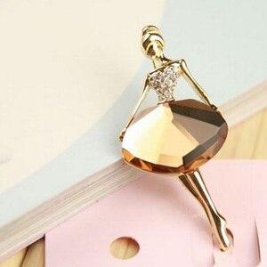 Image 2 - Broche en alliage pour femmes, 1 pièce, couleur blanche/café, ballerine pour filles, accessoires en cristal, à la mode