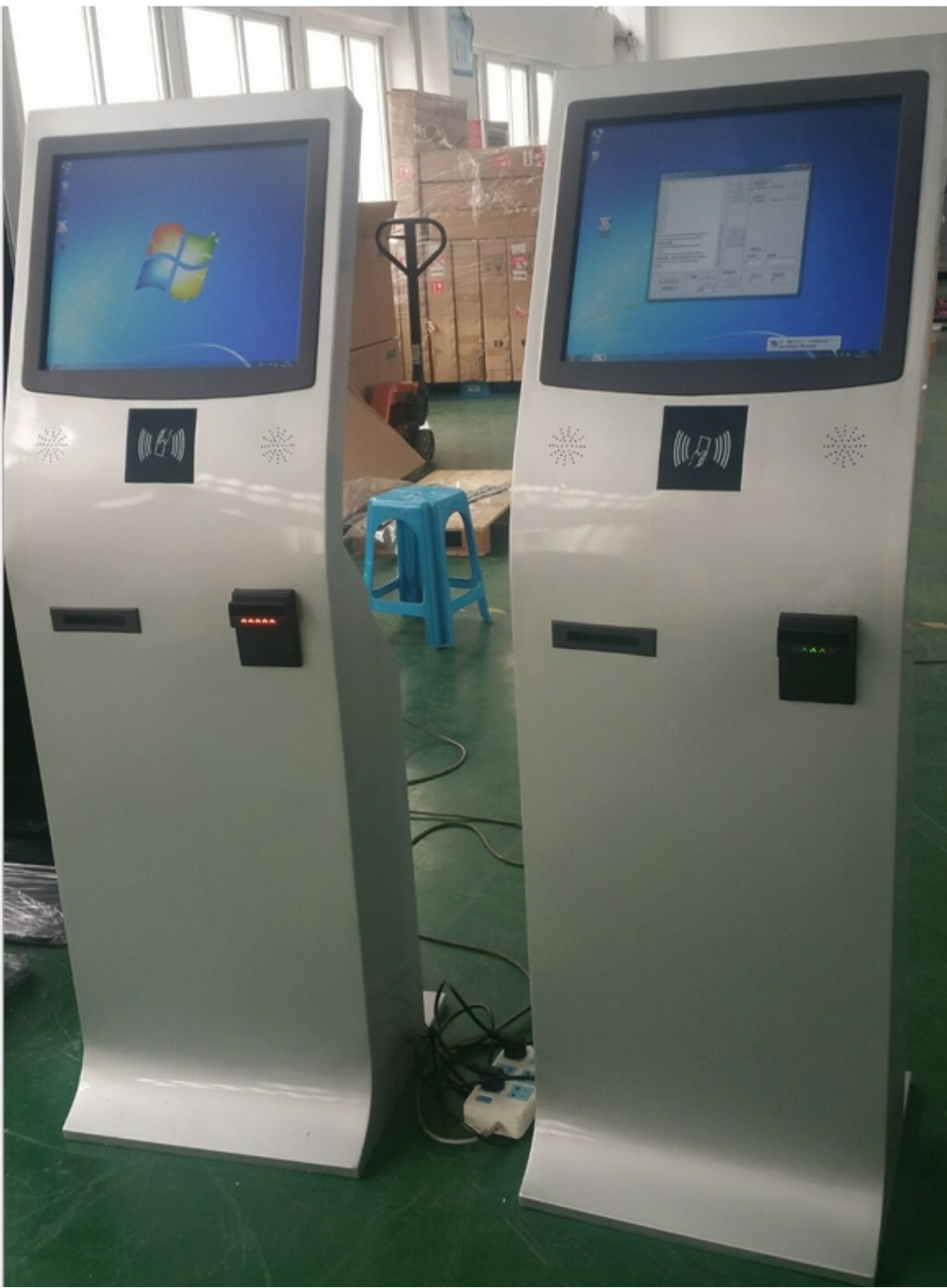 19 Inch Floor Stand Bill Payment Kiosk With Touch Screen