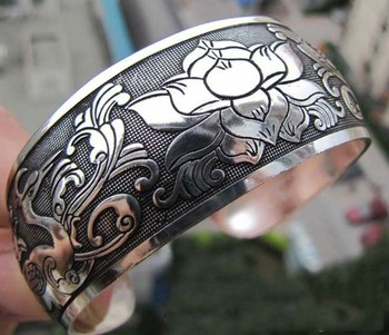 Tibetan Silver Bracelet Peach Crane Clouds Pattern Retro Fashion Wide Ladies Bracelet Adjustable Opening Gifts For Old Man