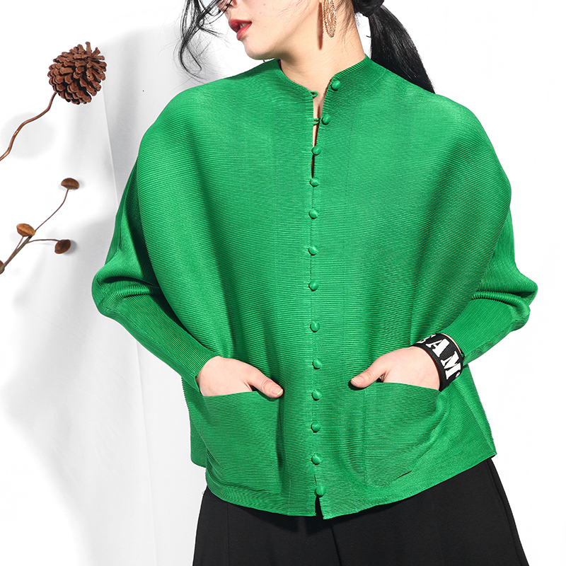 LANMREM 2020 Spring Summer New Pleated Clothing For Women Single-breasted Shirt Loose Large Size Pleated Sunscreen Blouse SA566