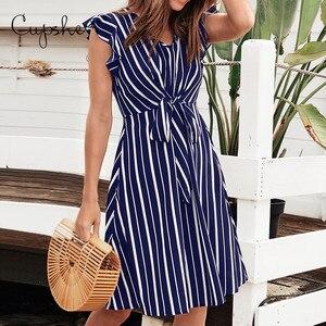 Image 3 - Cupshe 여성 브이 넥 프릴 드레스 2019 뉴 비치 여름 슬림 스트라이프 프린트 sundresss 프론트 매듭 vestido