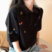 Frauen Bestickte Tops Kragen Unten Koreanische Polo T shirt Kurzarm T Hemd Grafiken Drucken Tees Hemd Übergroßen Mode Chic