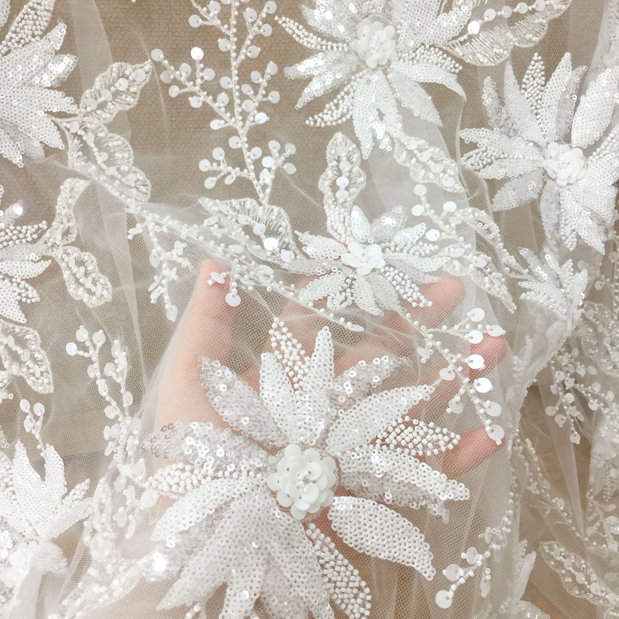 3D Feather Sequins Lace Fabric New Design Embroidered Tulle Luxurious French Lace Fabric Bridal Lace For Party Wedding Dresses 5 Yards
