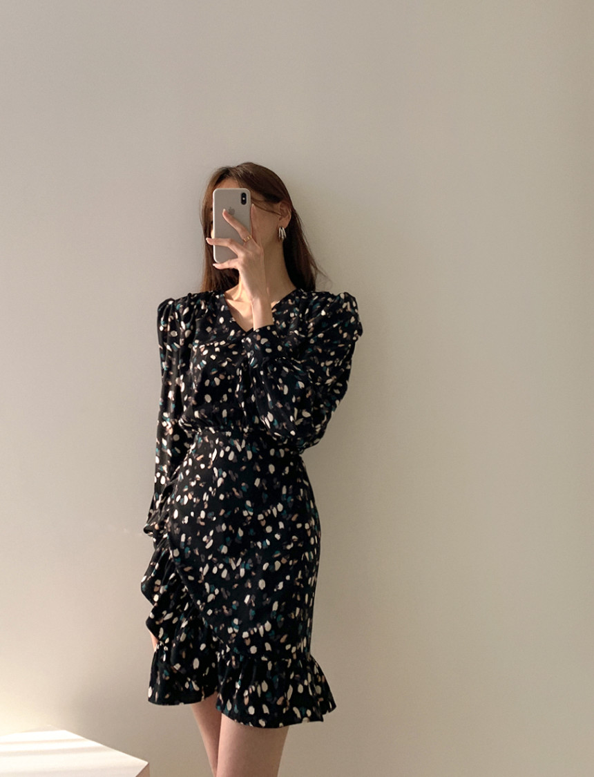 H575d3bf8d5044e9ebabed6853729ba39i - Autumn V-neck Long Sleeves Floral Print Flounced Mini Dress