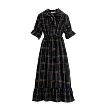 Женское платье в клетку с бантом и коротким рукавом фонариком