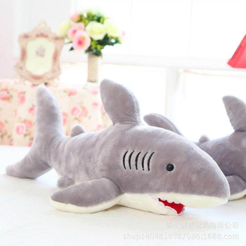 Mignon féroce grand requin poupée en peluche requin poupée oreiller